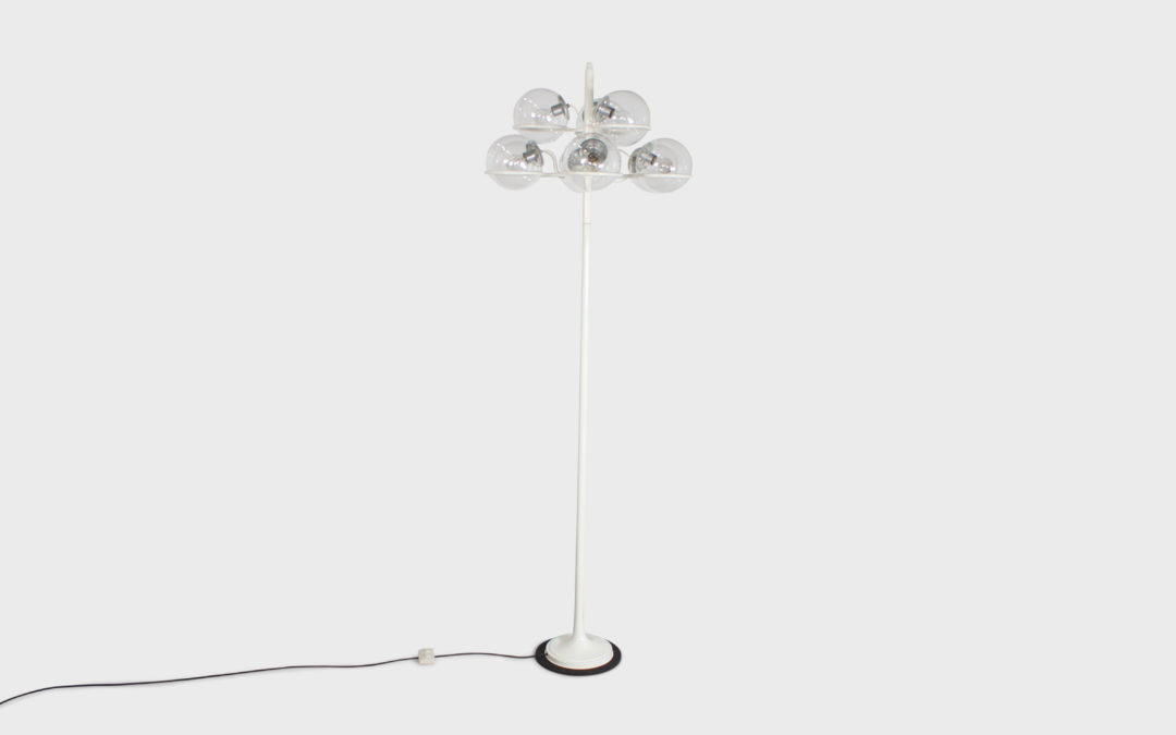 Monumental Gino Sarfatti Floor Lamp Model 1094 for Arteluce
